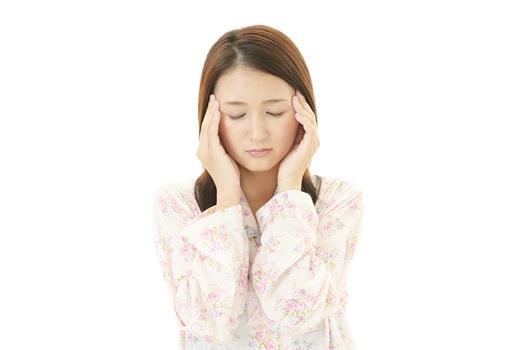 頭痛女性1